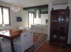 Rif. 1059 Piove di Sacco Signorile appartamento con tre camere