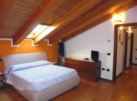 Rif. 1151 Appartamento con tre camere a Lova