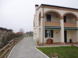 Rif. 1163 Villa Bifamiliare di pregio